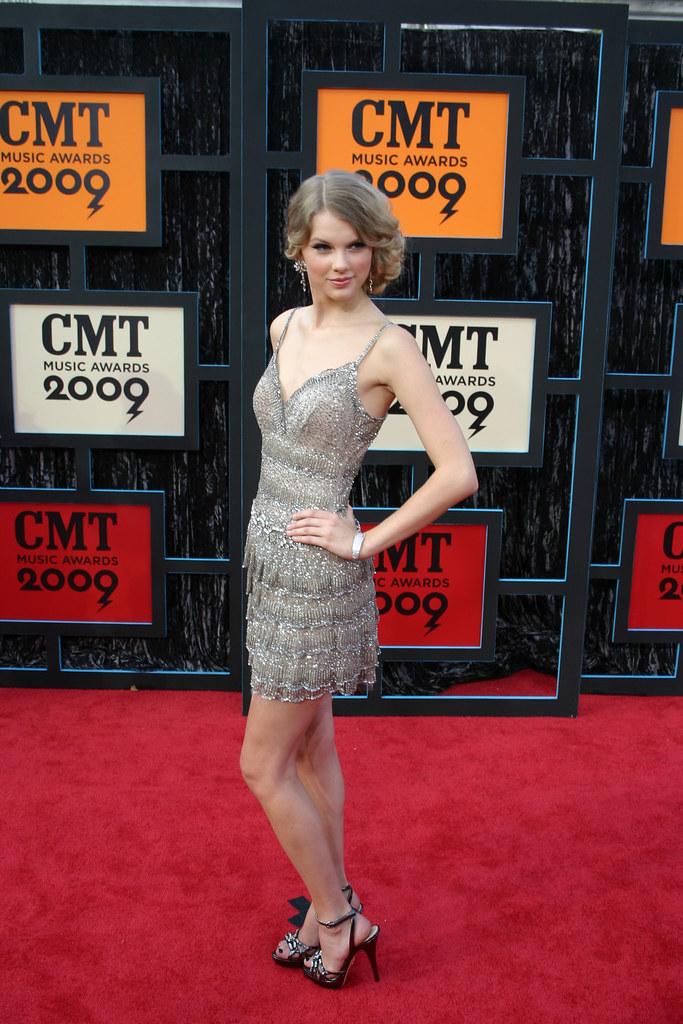 Taylor Swift: 2009 CMT Music Awards