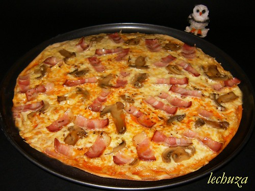 Pizza bacon y champis-hecha.