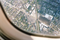 windows on the world (Phillip Kalantzis Cope) Tags: road city usa chicago window plane illinois unitedstatesofamerica phillip americanairlines cope  estadosunidosdeamrica etatsunisdamrique   kalantzis  phillipkalantziscope