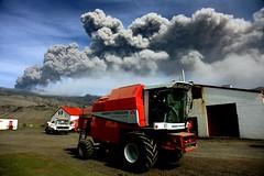 8 mai (www.icelandsightseeing.is) Tags: volcano iceland glacier ash ferguson eruption sland aska massey eyjafjallajkull eyjafjallajokull volcaniceruption eldgos orvaldseyri thorvaldseyri