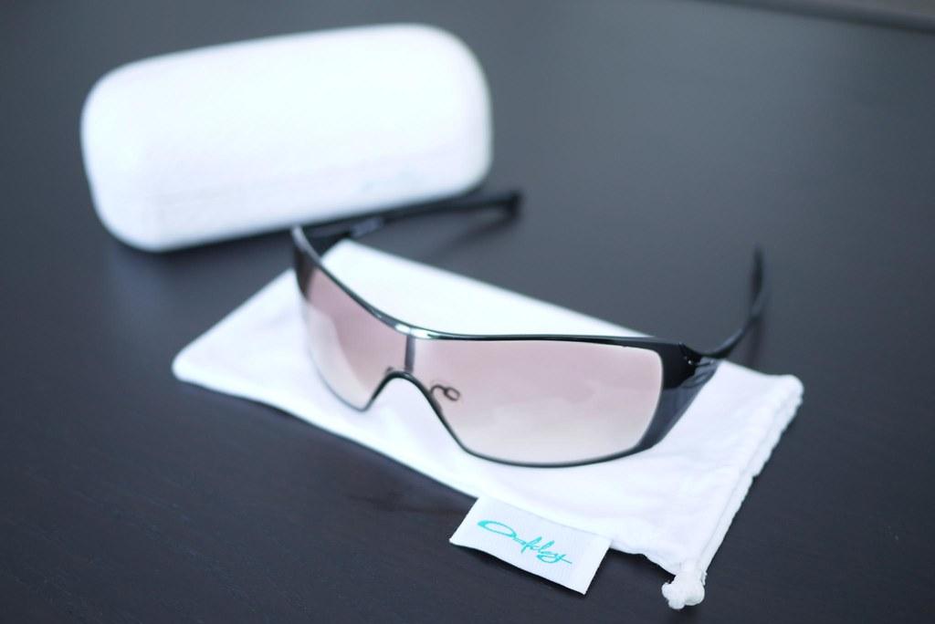 33a7a2f1ea0 For Sale (Sydney)   Oakley Dart Sunglasses