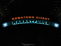 IMG_3390-WDW-DTD-sign-Marketplace-Team-Mickey