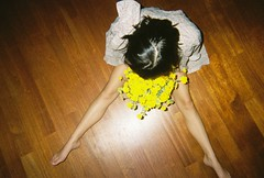 (EYLUL ASLAN) Tags: flowers film feet girl yellow shirt hair colours fuji legs head flash disposablecamera onthefloor sinemtuncer