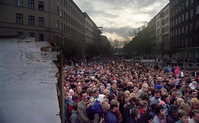 柏林墙倒塌照片15
