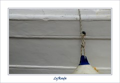 minimal blue (Jacqueline Clowting) Tags: wood blue white boot boat blauw minimal greece wit hout lefkada buoyant