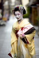 in great request (Onihide) Tags: portrait beautiful japan kyoto maiko miyagawacho komaya  toshimana