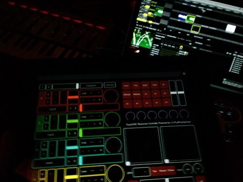 TouchOSCでの操作なんとかできそうだ!  #vjpph #vj_jp