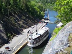 Diana (2) (tompa2) Tags: fartyg vatten passagerarfartyg vattendrag sverige västergötland götaälv trollhättan trollhättekanal diana sweden sluss lock ship schweden