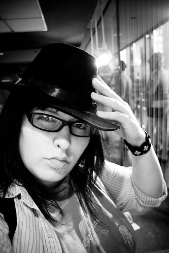 bw selfportrait chicago me illinois august roadtrip 2009 giftshop lookingridiculous gangsterhat willistower