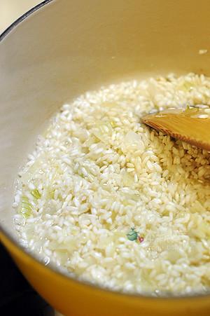 將米粒上油