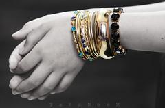 Day 111: .. (TaRaNeeM <3) Tags: blue bw black project gold hands day sister year jewelry days bracelet 365 chunky 2010 على terter سجاد عندما اقتباس الأمل أجمل اليأس السعادة نجد أحلام تأتي حياتنا الكبرى مستغانمي أساور حدث سوار فاخر دومًا إسوارة taraneem أناقة نراجع خيبات الخيبات فرشناه