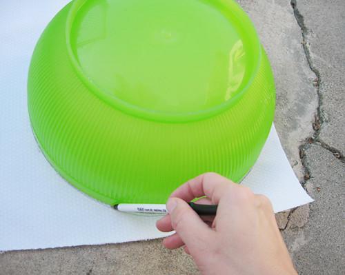 making placemats+tracing circle+salad bowl