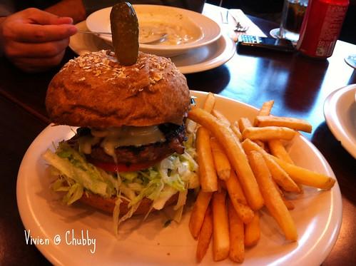 竹北喜樂餐廳_牛肉堡套餐