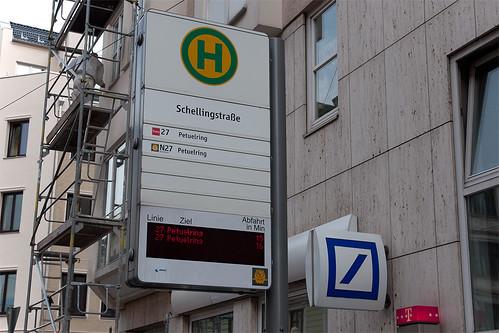 Alte Anzeige an der Haltestelle Schellingstraße