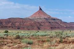 Desert Spire (J. Stephen Conn) Tags: utah nationalpark canyonlands needlesdistrict