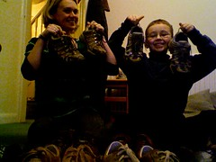 He did it! - 30th December 2009 (lisibo) Tags: photobooth tying shoelaces tyingshoelaces twitter365
