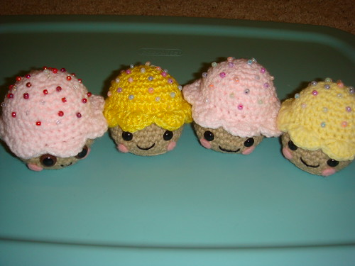cupcakes in bad lighting :(