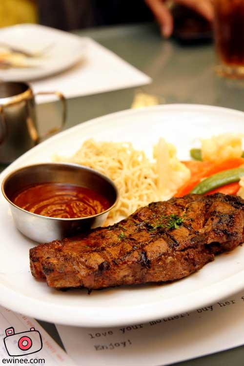 Food-Kitchen-Creatures-Centerpoint-Steak