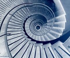 (sediama (break)) Tags: stairs germany pentax treppe staircase dsseldorf duesseldorf assurance treppenhaus versicherung 10mm abigfave superaplus aplusphoto k20d sediama igp2979 bysediamaallrightsreserved