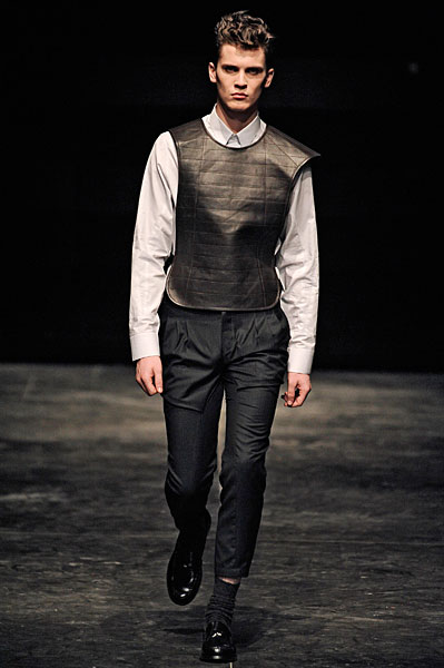 William Eustace3035_FW10_Paris_Gaspard Yurkievich(nikestav10@mh)