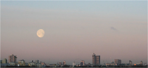 Large moon over London