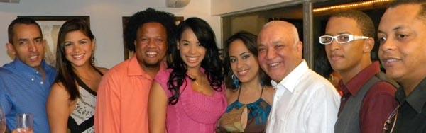 Elenco del Mismo Golpe con Jochy Santos