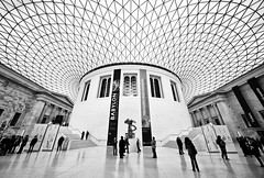 Another one from the British Museum (Philipp Klinger Photography) Tags: uk trip travel windows roof england people white holiday black reflection london lines museum architecture triangles court reflections person nikon triangle pattern floor britain geometry united great kingdom ceiling norman foster bloomsbury gb british marble sir philipp sigma1224mm babylon klinger d700 dcdead grosbritannien