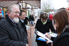 Gareth & Ian collecting signatures