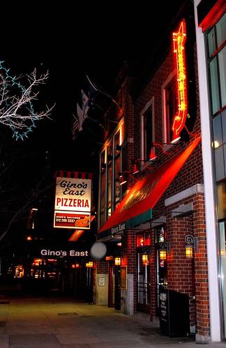 Gino's East Pizzeria @ Night, Chicago