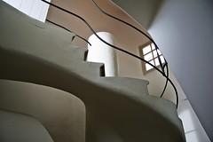 L'ultima scala (Él última escalera) (Kalos eidos) Tags: barcelona españa spain modernism escalera staircase scala modernismo barcellona cataluña spagna gaudì catalogna casabatllò barcelonaexperience