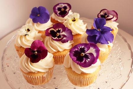 fresh flower cupcakes