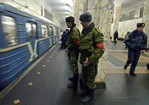 Mosca, i militari si recano sul luogo della tragedia