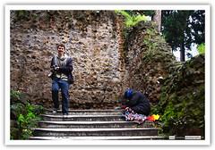Genial! Tengo la foto! - Great! Ive got the shot! (Lst1984) Tags: poverty italy rome roma happy italia photographer fotografo pobreza contento canoneos40d lsarabia lst1984 luissarabia