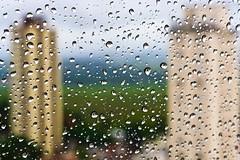 Chove chuva... chove sem parar (frangosbar) Tags: windows art window rain canon landscape reflex chuva paisagem xs rodrigo mestre reflexo frango funin sares freebits 1000d frangosbar