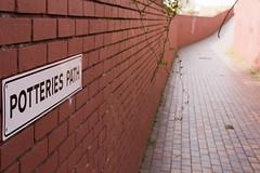 Potteries Path, NW6 (Tetramesh) Tags: tetramesh london uk england britain greatbritain unitedkingdom nw6 westhampstead westendlane lymingtonroad path alley alleyway potteriespath