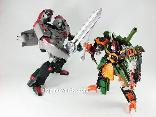 Transformers Bludgeon RotF NEST Voyager vs Megatron Animated - modo robot