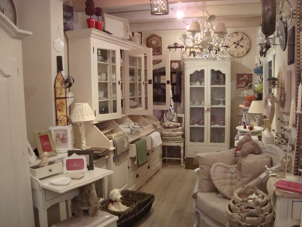 the world 39 s best photos of negozio and shabby flickr hive mind. Black Bedroom Furniture Sets. Home Design Ideas