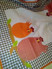 Caminho de mesa (Dipano Ateli) Tags: de galinha pano patchwork prato cozinha jogos tecido aplicao apliqu dipano