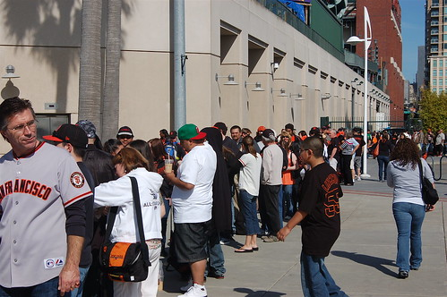 SF Giants Fan Photo Day: The Line
