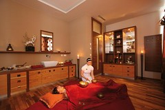 Klangschalenbehandlung im Hotel Mooshof Bodenmais (HotelMooshof****S) Tags: beauty bayern urlaub wellness vital bodenmais bayerischerwald erholung wellnesshotel mooshof