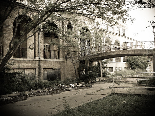 Baker Hotel Entrance - Other Side