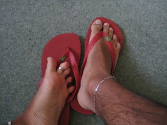 (RLS2009) Tags: male guy feet foot barefoot flipflops barefeet anklet anklets toerings