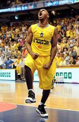 Winner (noamgalai) Tags: 6 basketball happy israel sharp scream win yell winning tlv maccabi maccabitelaviv  noamgalai   derricksharp   sitesports