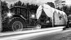 Rocío 2010, primera noche... (ToniMolero07) Tags: road bw españa plants night clouds noche andalucía spain plantas camino details huelva bn virgin wheeled fabric nubes andalusia brotherhood carts virgen detalles málaga nwn rocío tela mmp almonte 2016 hermandad carretas tractores yourcountry tonimolero hermandaddemálaga
