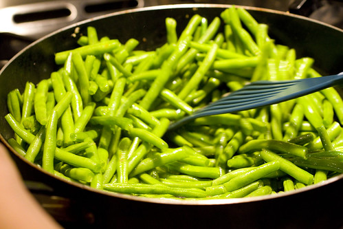 stir-frying string beans 2