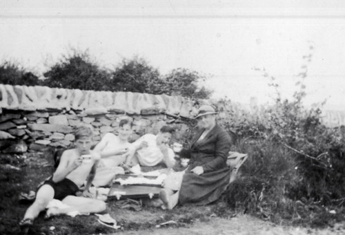 Holiday at Scalpsie Bay, Bute 1936