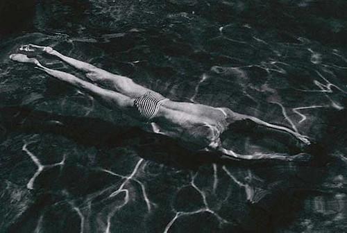 andre-kertesz-underwater-s1
