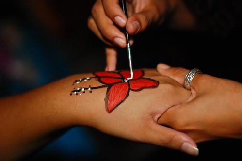 Pintura de mãos.