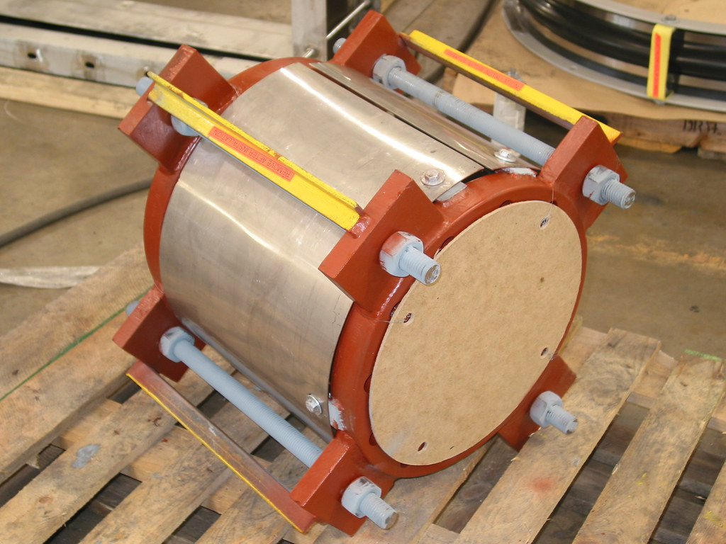 Single Tied Expansion Joints for an Oil Refinery in Bakersfield, California