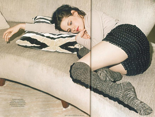 kristen-stewart-uk-elle-july-2010-4